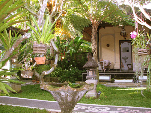 http://ubudtebahouse.files.wordpress.com/2008/01/tebahouse-garden-03.jpg